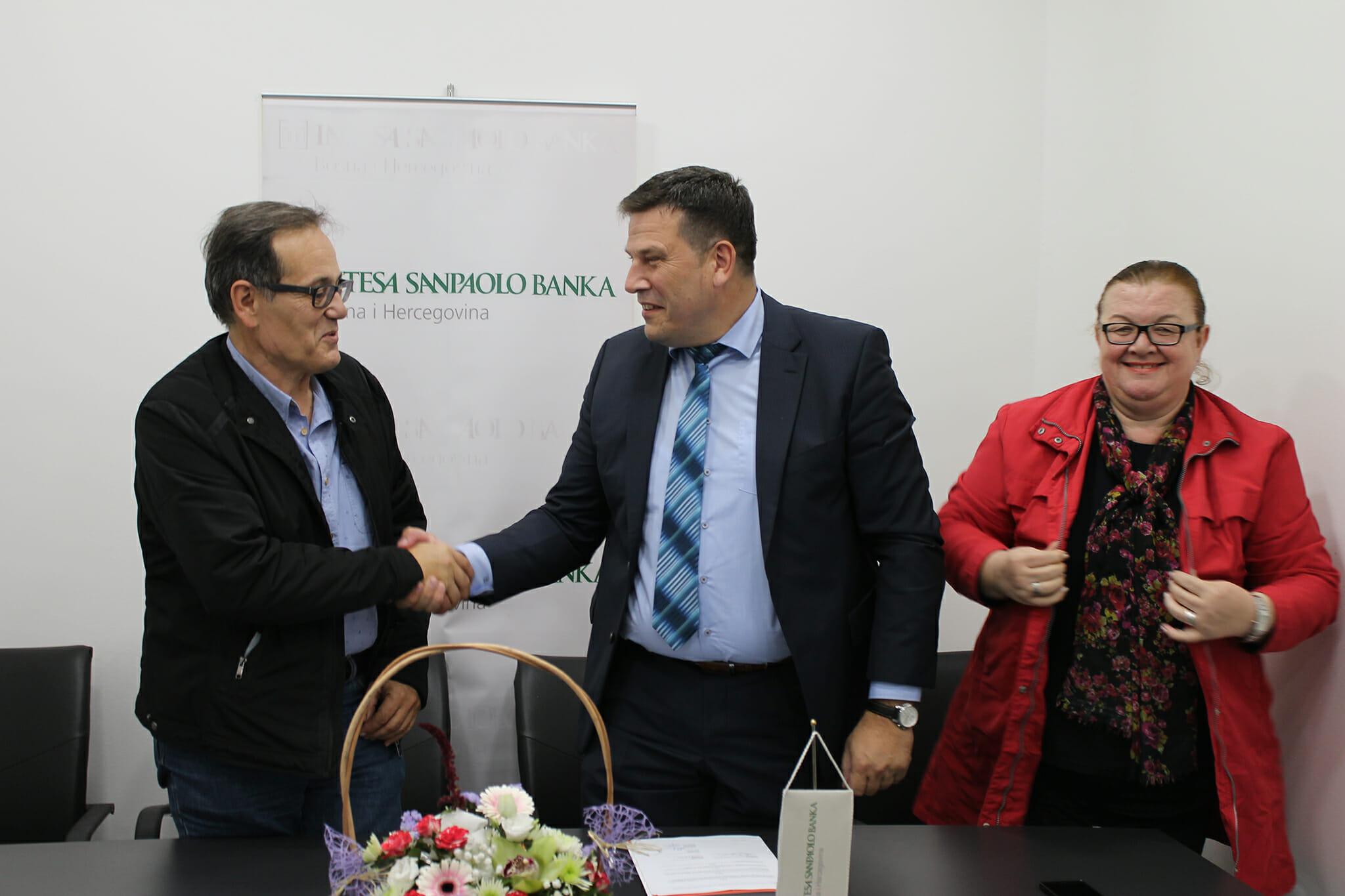 Intesa Sanpaolo Banka BiH i Ljekarska komora ZE-DO kantona potpisale ugovor o poslovnoj saradnji