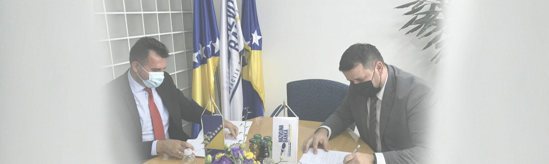 INTESA SANPAOLO BANKA BIH SIGNS AGREEMENT WITH DEVELOPMENT BANK OF FBIH ON USING GUARANTEE FUND